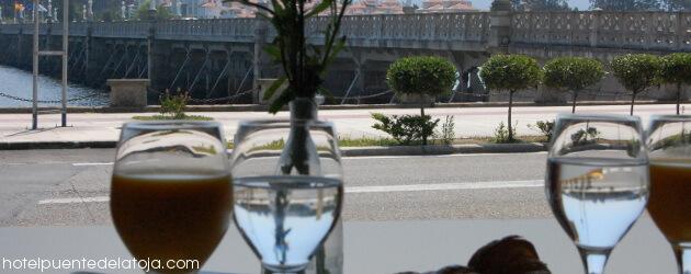 Desayuno con vistas al puente de La Toja