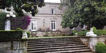 Pazo de Rubianes, un paseo entre historia, camelias y viñedos
