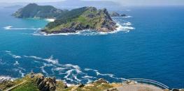 Galicia in green and blue. Cies islands, Pontevedra, Rias Baixas